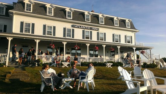 The Atlantic Inn: View of the Inn from the Lawn where tapas and drinks are served.