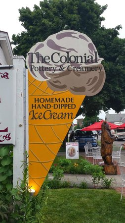 Colonial Inn & Motel: Homemade Ice Cream available on site