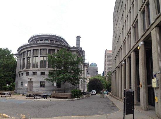 McGill University: McGill