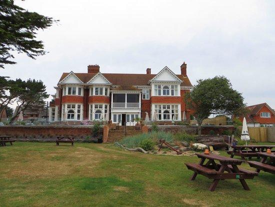 The Beach House Restaurant: Rear of the hotel