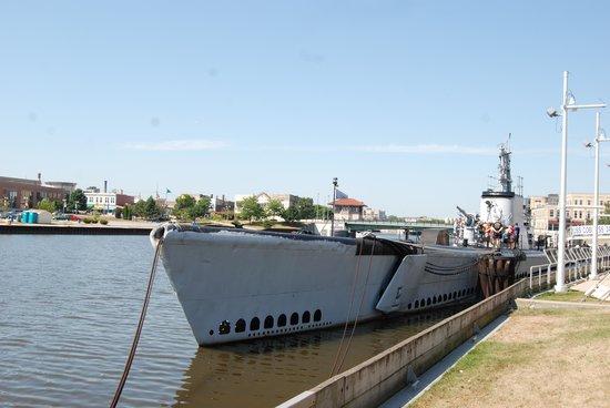 Wisconsin Maritime Museum: Submarine at anchor