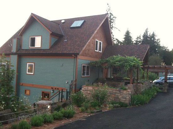 Chehalem Ridge Bed and Breakfast : the BB house