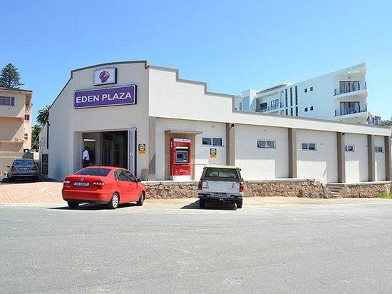 Mosselbaai, Zuid-Afrika: Eden Plaza which houses Punjabi Kitchen