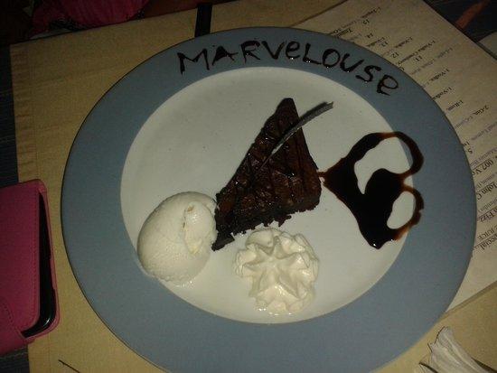 Sacallis Inn Beach Hotel: Birthday Cake