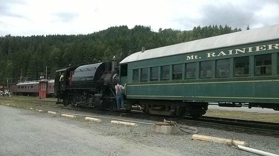 Mt. Rainier Scenic Railroad: At the station