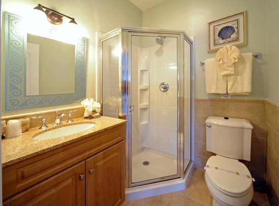 Cliffside Resort Condominiums: Clean and Updated Bathrooms