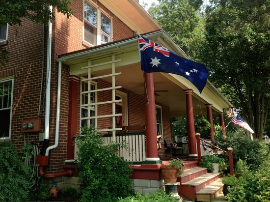 The Australian Walkabout Inn Bed & Breakfast: Front of House