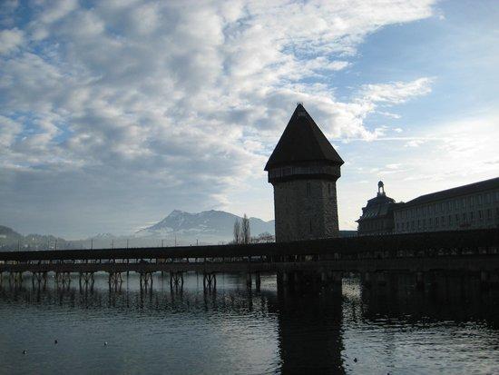 Chapel Bridge (Kapellbrucke): Мост Капелльбрюкке