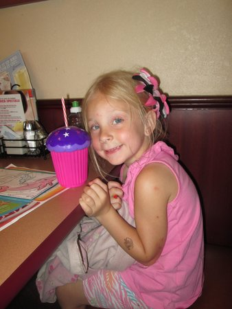 Denny's : Loved the cupcake cup with her favorite colors