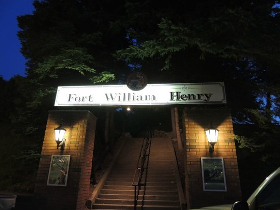 Fort William Henry: Outside the fort