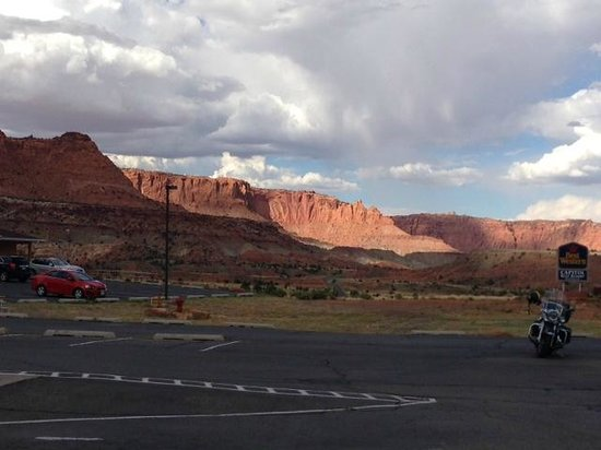 Capitol Reef Resort: View from the parking lot