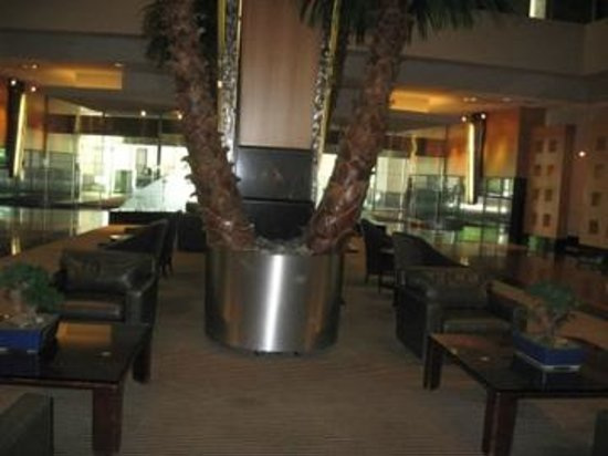Edward Hotel & Conference Center : Part of the beautiful lobby