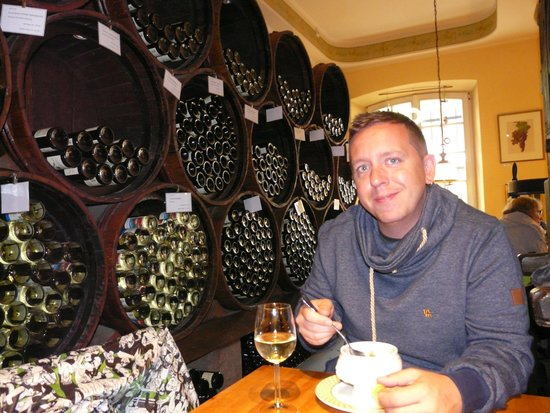 Weinstube Kesselstatt: Warming up with a bowl of soup and a glass of wine