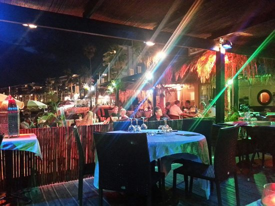 Jazz Plage : Friendliest Beach Bar in juan Les Pins