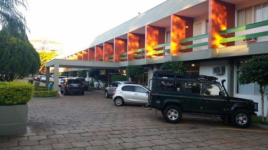 Hotel Deville Express Guaira: Fachada do hotel