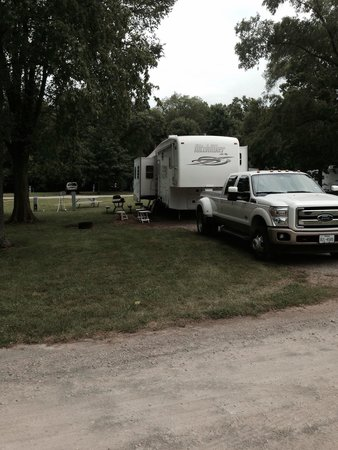 Bear Cave RV Campground: Large site