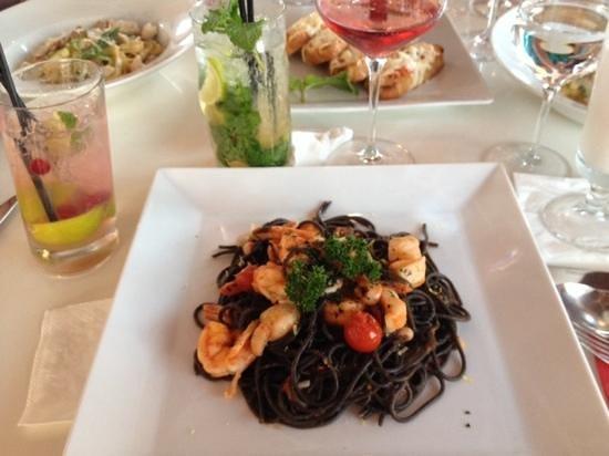 Bianco Restaurant: spaghetti nero
