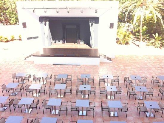 SENTIDO Gran Canaria Princess: Vistas desde la habitación : el escenario de espectáculos nocturnos
