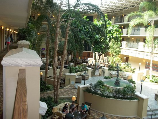 Embassy Suites by Hilton Destin - Miramar Beach : Atirum at the Embassy Suites