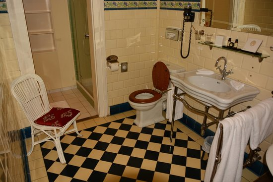 Hotel Royal St. Georges Interlaken - MGallery Collection: Ванная комната в Королевском номере