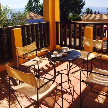 Candia Park Village: Breakfast on the balcony