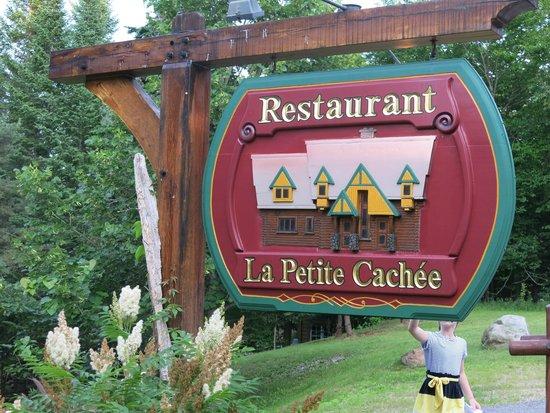 Restaurant La Petite Cachee: Insegna del ristorante