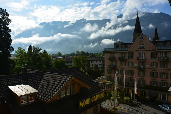 Hotel Royal St. Georges Interlaken - MGallery Collection: Вид на Альпы из номера