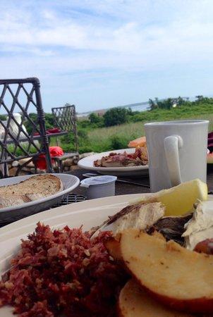 The 1661 Inn: Breakfast buffet