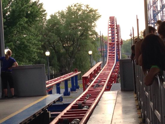 Darien Lake Amusement Park : The most thrilling part of Ride of Steel- Bunny hops into the brake run!