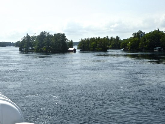 Gananoque Boat Line: Few of the Thousand Islands, Canadian side.