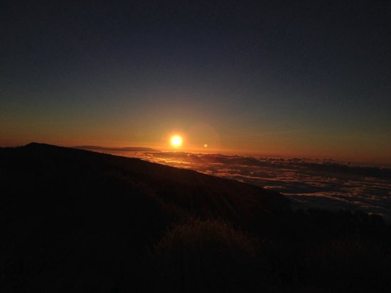 Private Jeep Tours: Sunset above the clouds 4000 ft up. Made better with champagne. Thanks Henry.