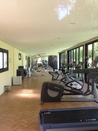Sensimar Medina Gardens: The gym (free weights at the other end)