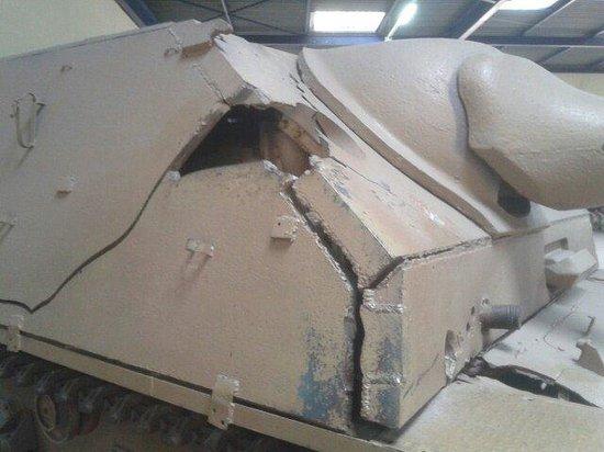 Musée des blindés : Carro colpito