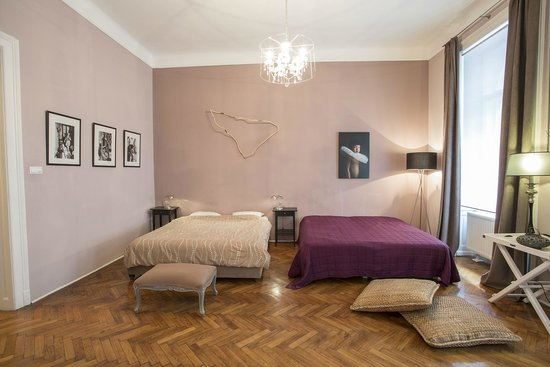 Entre Amis Apartments Budapest: Bedroom Boulev'art apartment