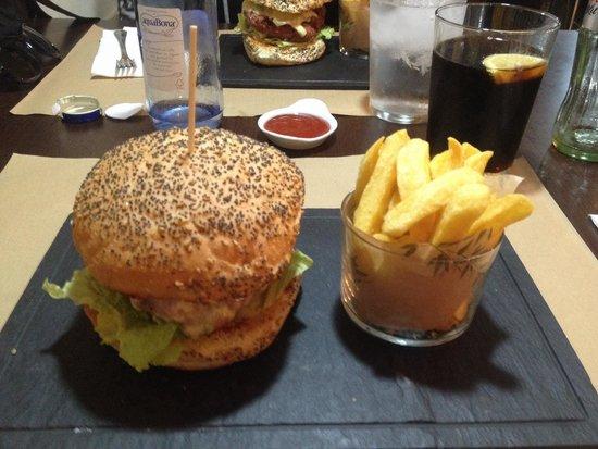 Anauco: Hamburger classico