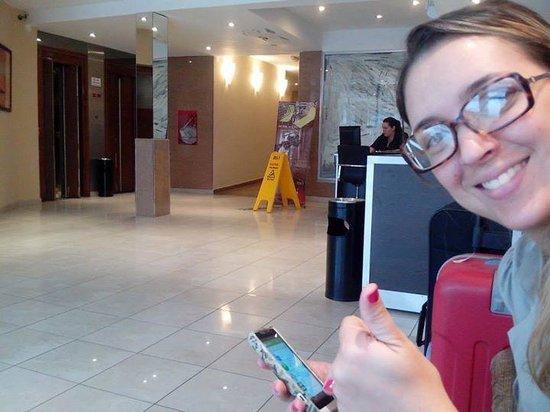 Hotel Nontue: Entrada do Hotel