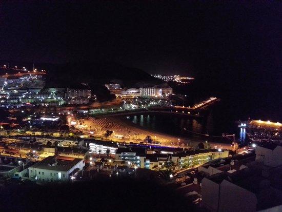 Servatur Puerto Azul: vista nocturna desde la habitacion