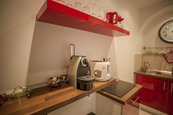 Entre Amis Apartments Budapest: Small kitchen Theatre apartment
