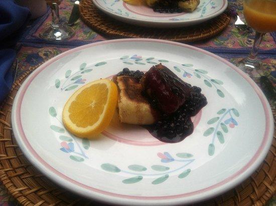 Ullikana Bed and Breakfast: Ullikana Inn Blueberry Cheese Blintzes