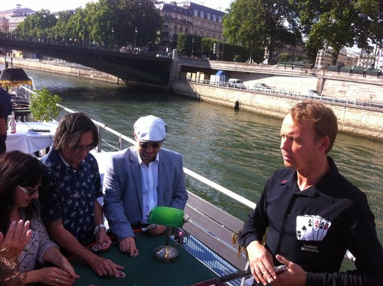 Le VIP Paris Yacht Hotel : Animation Casino à bord