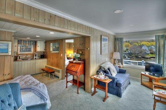 Harborage Inn on the Oceanfront: Seaside Suite #12 -2 bedroom Suite w/500 sq' of space!
