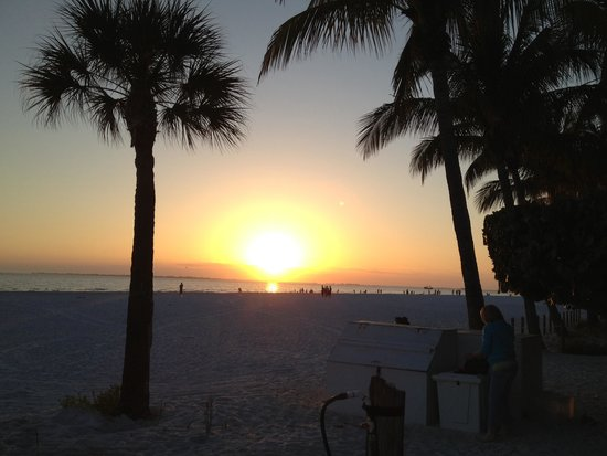 Times Square : Sunset Ft. Myers Beach