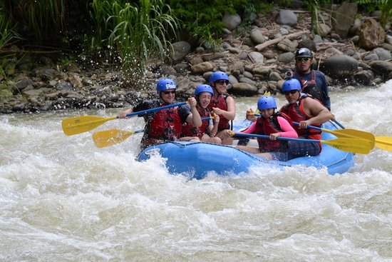 Pro Rafting Costa Rica : Not quite as crazy boat!