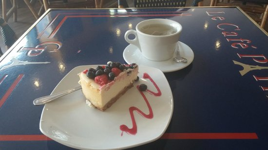 Le Cafe Parisien: Cheesecake baked