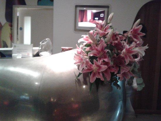 My Brighton: reception..beautiful flowers and decor