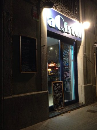 aQistoi: Great little joint for comfort food!!