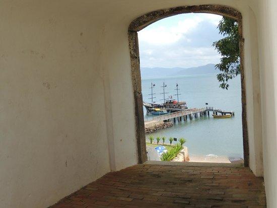 Santa Cruz de Anhatomirim Fortress : Lindo