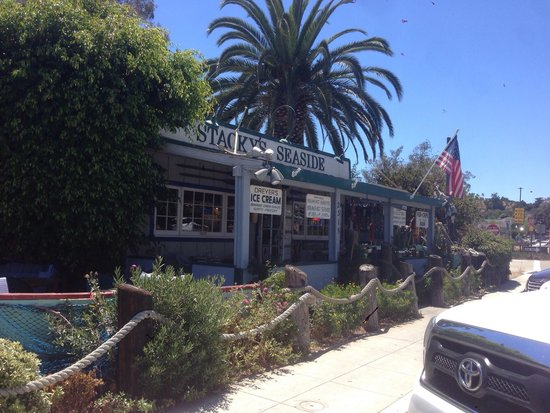 Stacky's Seaside: Great place to stop right next to the exit from freeway