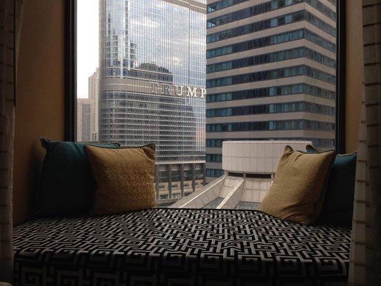 Kimpton Hotel Monaco Chicago : Meditation nook, room 815