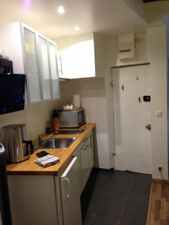 Bed and Breakfast Delareynie : Kitchen area